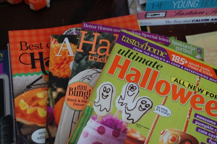 omg Halloween magazines!